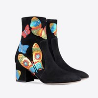 Wholesale heels boots 43 resale online - high quality u697 genuine leather star butterfly short boots fashion black luxury designer runway shoes gi