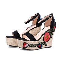Wholesale Embroidered Wedge Sandals - 2017 Casual Ethnic Platform Wedge Shoes Women kid Suede Embroider Decorate Sandals Summer Holiday Beach Shoe For Female