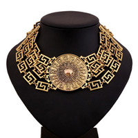 Wholesale Big Chunky Fashion Jewelry - Fashion Europe And America Foreign Trade Sales Vintage Chunky Necklace Metallic Alloy Big Necklace Round Pendant Medusa Choker Jewelry