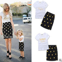 Madre y hija Matching Dress Set 2017 Summer Letter T Tops Brillo y Polka Dots Faldas Madre y Hija Ropa Familia Ropa