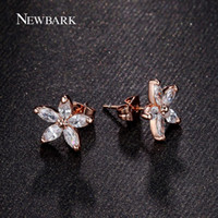 Dhgate Hot Small Simple Cute Flower Stud Earrings Rose Gold Color Marquise Cut 5pcs CZ Crystal pour les femmes Wedding Love Earring