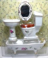 kits de placard achat en gros de-1/12 Scale Dollhouse Furniture Miniature 4 pcs Set de salle de bain Water Closet Kits de porcelaine Basin Toilette Miroir de baignoire