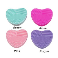 escovas de maquiagem limpas venda por atacado-Maquiagem Brush Cleaning Mat Cleaner Silicone Heart-shape Cosmetic Brush Scrubber Board Lavadora Pad Make Up Tool 4 Cor para escolher