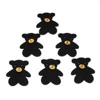 botões de madeira preta venda por atacado-Atacado de madeira preto urso forma dois furos de madeira botões 48.5 mm x 40.2 mm 90 pcs impresso Cartoon botão de madeira infantil acessórios de vestuário