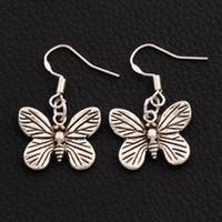 araña mariposa al por mayor-Danous plexippus Butterfly Pendientes 925 Silver Fish Ear Hook 40pairs / lot 31x18mm Antique Silver Dangle Chandelier E1120