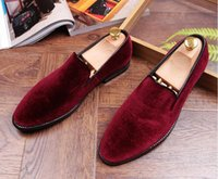 Wholesale Driving Mocassins - 2017 Top quality Mens fashion velvet loafers pointed toe slip on flat casual Wedding Groom shoes driving mocassins GG222