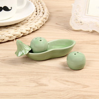 Wholesale salt pepper wedding giveaways for sale - Group buy Seasoning Pot Creative A Pair Of Peas Modeling Salt And Pepper Cans Country Style Ceramic Jar Wedding Giveaways lw F R