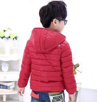 ingrosso le ragazze inverno rosso imbottito giacca-Capispalla per bambini all'ingrosso Ragazzo e ragazza Inverno caldo Cappotto con cappuccio Bambini in cotone imbottito Piumino Kid Giacche 3-10 anni X09