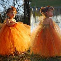 sonbahar portakal elbiseleri toptan satış-Güz 2017 Sevimli Turuncu Tül Balo Çiçek Kız Elbise Halter Boyun Puf Etek Kat Uzunluk Ülke Stil Pageant Çiçek Kız Elbise