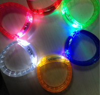 Led Dance Led Bracelets Luminous Wristband Night Light Brinquedos infantis Glow In The Dark Party Decoração Supplies