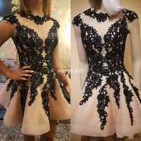 cortos vestidos semi formales negros al por mayor-Short Black Beads Homecoming Dress Sweet 16 Lace Appliqued A-Line Mangas cortas Semi vestidos de fiesta vestidos de noche formales de la vendimia 2017 Barato