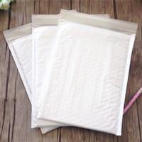 weiße blasenumschläge großhandel-Großhandels-5pcs / lot NEUE 20x24cm leere weiße Blasen-Werbungen aufgefüllte Umschläge Multifunktionsverpackungsmaterial Verschiffen-Taschen, die Beutel mailen