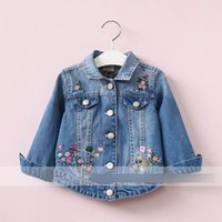 Wholesale Cotton Girl Jeans Floral - Girls floral embroidery outwear 2017 autumn new girl jeans jackets Kids wish cowboy single-breasted coat fashion kids denim outwear T3596