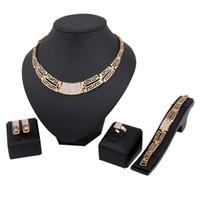 conjunto de joyas de moda 18k al por mayor-Alta calidad 18 K chapado en oro de joyería de plata pendientes pendientes collar anillos pulsera brazalete establece joyería de boda accesorios de moda caliente
