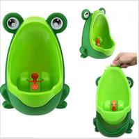 inodoro portátil para niños al por mayor-Niños de dibujos animados de moda Rana Entrenamiento para inodoros Niños Plástico para niños Pee Baby Potty Montado en la pared Niños WC Portátil Potty Boy Urinarios