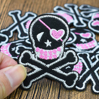 parches de hierro piratas al por mayor-10pcs Skull Pirate badge parches para la ropa parche hierro bordado apliques en parches accesorios de costura para ropa Diy