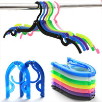 Wholesale Color Plastic Coat Hangers - Hot sale wholesale folding hanger portable travel with plastic hanger home drying clothes multi-color optional laundry supplies