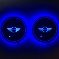 Car Cup Mat LED Car Cup Holder Mat Impermeable Light Sensor Cup Cojín Mat Coaster para BMW Mini 2pcs / set con luz azul