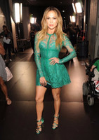 подкладка ковер оптовых-Jennifer Lopez Red Carpet Dress 2017 Модные A-Line Кружева Аппликации С Длинным Рукавом Зеленый Короткие Платья Знаменитостей Вечернее Платье