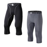 pantalon de compression pour hommes achat en gros de-Pantalon capri à capuchon 3/4 pour hommes