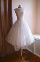 vestido de noiva chiffon pescoço pescoço venda por atacado-Vintage 1950's Tea Length Vestidos de casamento curtos Com capuz Pregas Chiffon Vestidos de noiva 60s Recepção Vestidos de casamento Vestidos de Novia