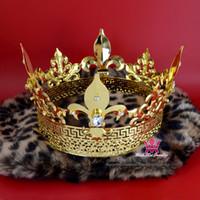tiara de metal de ouro venda por atacado-Rei Príncipe Coroa de Ouro Tiara De Metal Imperial Majestic Homens Mulheres Jóias de Cabelo Cosplay Proms Estilo Real Acessórios de Festa MO198