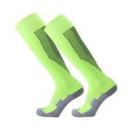 meias de cor adulto venda por atacado-Meias esportivas Homem Manga comprida Antiderrapante Engrossar Respirável Toalha Meia de Futebol Adulto Multi Cor Opção Equipamento de Futebol 9cx F