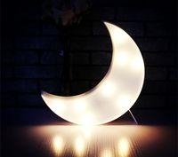 lampe de chambre de lune achat en gros de-DELICORE nouveauté White Moon Night Light enfants chambre chambre de bébé nuit lampe Mini Light Emitting enfants chambre décoration S029-W