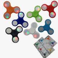 ingrosso mano calda-Hot New Light up Hand Spinners LED Bright Fidget Spinner Triangolo Finger Spinner Colorato Double-sided Light Decompression Toys