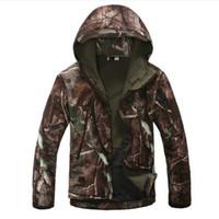 camo taktische jacken großhandel-Lurker Haut Softshell V4 Tactical Jacket Men wasserdicht winddicht warmer Mantel-Tarnung mit Kapuze Camo Armee Kleidung
