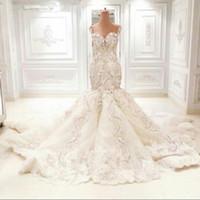 passen flare brautkleider groihandel-Luxus Kristall Brautkleider Dubai Kleider Meerjungfrau Trompete Fit und Flare Perlen Spitze Appliques Floral verziert Perlen Brautkleider