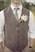 ingrosso vestiti di colore marrone-New fashion Brown tweed Gilet di lana a spina di pesce stile britannico su misura Mens suit su misura slim fit Blazer abiti da sposa per uomo P: 2