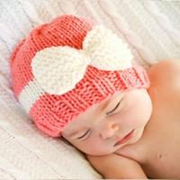 chapeau photo fille achat en gros de-Mignon Bonnet Arc Chapeaux pour bébé fille Photo Hiver Chaud Tricot De Contrats de couleur 2017 Hiver Hotsale Blanc Rose Pourpre Pour 0-1an