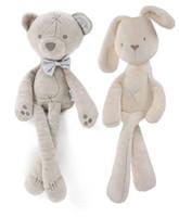 conejo blanco juguete suave al por mayor-Niños Conejo de Pascua Juguetes de Peluche Blanco y Beige Suave Conejito Durmiendo relleno Muñeca Juguetes Para Niños Pequeños Regalo de los niños