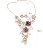 high end kristall halsketten großhandel-High-End-Kristall Übertriebene Schmuck Retro-Blumen-Schmuck-Set Schnecke Legierung aushöhlen kurze Halskette