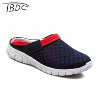 Vente en gros - IBDC Big Size 39-46 Hommes Sandales d'été 2016 Beach Slip On Flip Flops Homme Femme Pantoufles Couple Lighted Outdoor Hombre Sport Chaussures