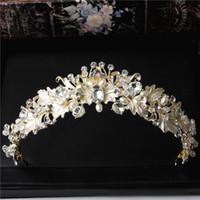 gold kopf krone großhandel-Barock Gold Hochzeit Braut Krone Stirnband Tiaras Haarschmuck Euramerican Vintage Kristall Strass Perlen Haarband Kopf Schmuck Party