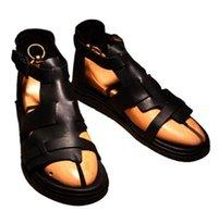 ayak bileği ayakkabıları erkekler için toptan satış-Popüler Stil Cut Outs Erkekler Ayak Bileği Toka Gladyatör Açık Ayak Sandalet Düz Topuk Sandalet Satışa Erkekler Moda Marka Sıcak Tasarım ...