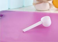 cucharadas de comida al por mayor-Blanco de la manera profesional de plástico de 5 gramos 5G Cucharadas de cucharas para lavar los alimentos de leche en polvo para medir medicamentos 8,5 * 2,6 cm