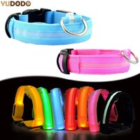 Vente en gros - Nylon LED Pet Dog Collar, Night Safety Clignotant Glow In The Dark Dog Leash, Chiens Luminous Fluorescent Collars Pet Supplies