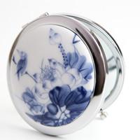 jingdezhen porcelana azul branco venda por atacado-Jingdezhen espelho de cerâmica original mão espelho dobrável lótus azul criativo porcelana azul e branca portátil make-up espelho cor aleatória