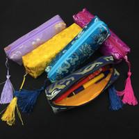 crayons glands de soie achat en gros de-Sac Tassel Zipper cadeau imperméable femmes de bijoux cosmétiques de stockage Étui à crayons brocart de soie maquillage Packaging bourse