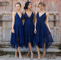 ingrosso lunghezza del tè blu del merletto-Nuovo stile Royal Blue Lace abito da damigella d'onore 2017 V Neck Backless Tea Length Damigella d'onore Paese Bridemaids Wedding Guest Gowns