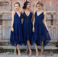 vestidos de longitud de té azul real al por mayor-Vestido de dama de honor de nuevo estilo Royal Blue Lace 2017 longitud de té sin espalda con cuello en V Maid of Honor Novia de país Novia Wedding Dresses