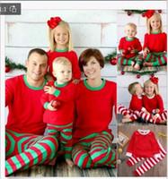 ingrosso pigiama di natale della famiglia unisex-Natale Home Clothes Sets Xmas Family Pigiama a righe Uomo Donna Bambini Sleepwear T-shirt Pantaloni Tute Red Green Stripe
