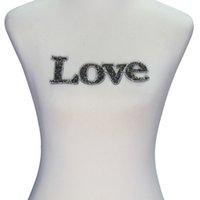 motivdesign für kleidung großhandel-1 stück Liebe Charakter Design Aufkleber Perlen Strass Eisen auf flecken Motive für T-shirt Kleidung für Nähzubehör T2325
