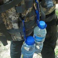 держатели для бутылочек оптовых-10шт новый карабин бутылки воды держатель кемпинг туризм алюминиевый резиновый пряжка крюк высокого качества
