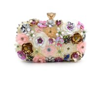 Wholesale Crystal Beaded Bag - Vintage Flower Appliques Crystal Beaded Golden Evening Bag Clutch For Women Wedding Bridal Handbags Hardcase Metal Clutches Shoulder Bag
