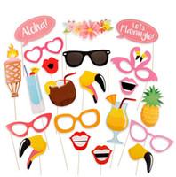 accesorios de cumpleaños photobooth al por mayor-20 PCS Flamingo Verano Tropical Hen Photo Booth Props Hawaii Carnaval Decoración Del Partido Photobooth Cumpleaños suministros