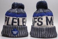 Новые Beanies Maple Leafs 2017 Hot Knit Hockey Beanie Pom Pom Knit Hats Бейсбол Футбол Баскетбол Спорт Beanies Mix Match Order Все шапки